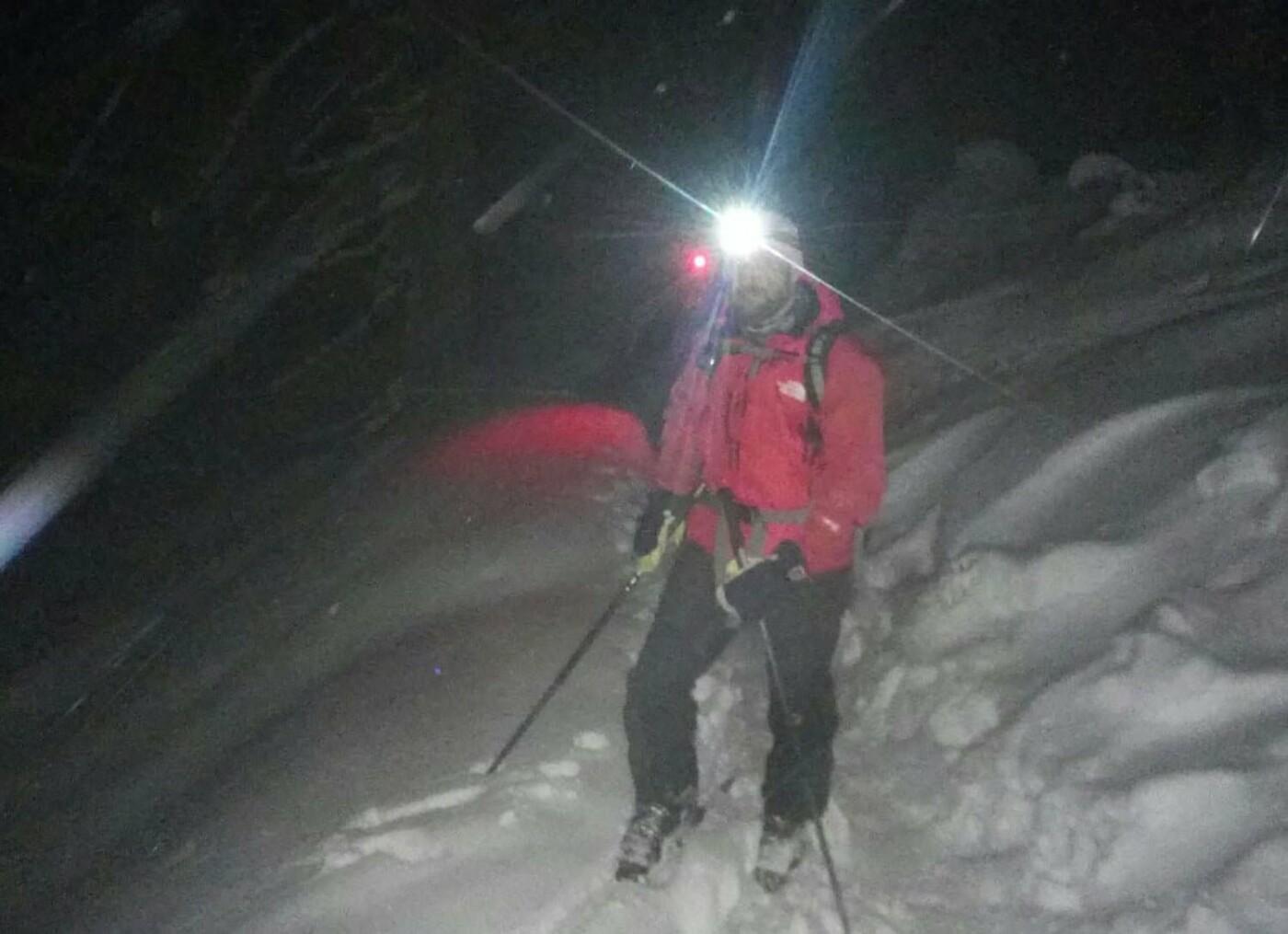 На Рахівщині рятувальники розшукали двох заблукалих лижників (ФОТО), фото-1
