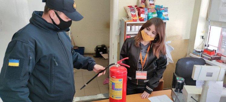 Закарпатські АЗС перевірять на дотримання вимог пожежної та техногенної безпеки (ФОТО), фото-3
