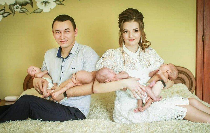 Батьки четвірні, яка взимку народилась на Закарпатті, показали фото малюків, фото-2