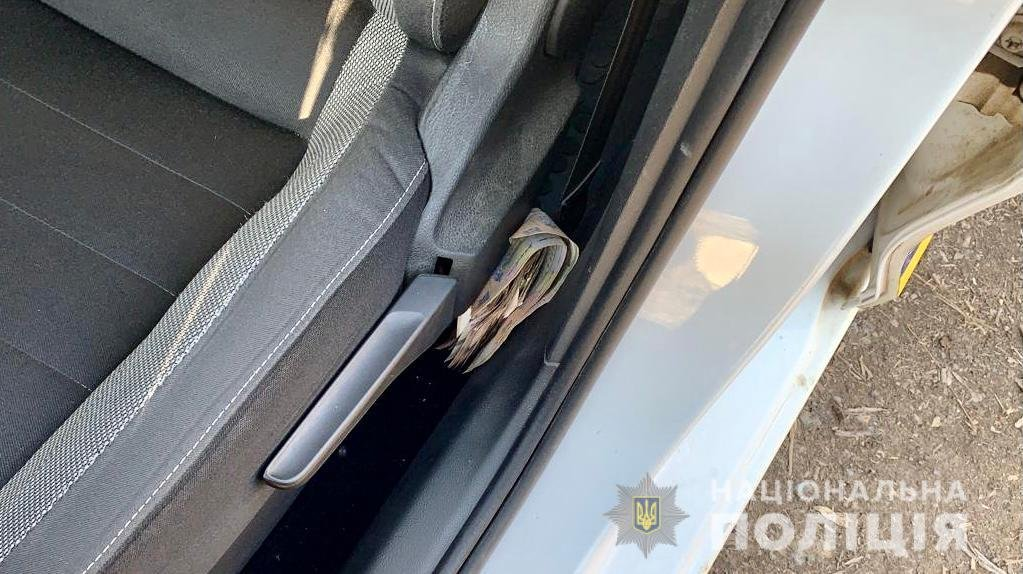 На Ужгородщині п'яний водій за 17 тис грн намагався відкупитися від поліцейських (ФОТО), фото-2