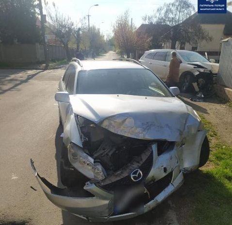 ДТП в Ужгороді: водій авто Hyundai зіштовхнувся з автомобілем Mazda, фото-1