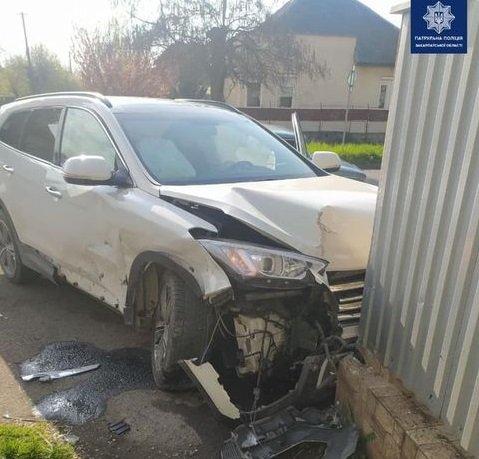 ДТП в Ужгороді: водій авто Hyundai зіштовхнувся з автомобілем Mazda, фото-2
