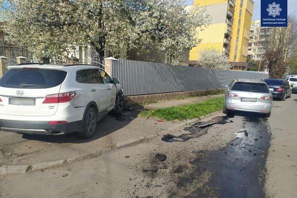 ДТП в Ужгороді: водій авто Hyundai зіштовхнувся з автомобілем Mazda, фото-4
