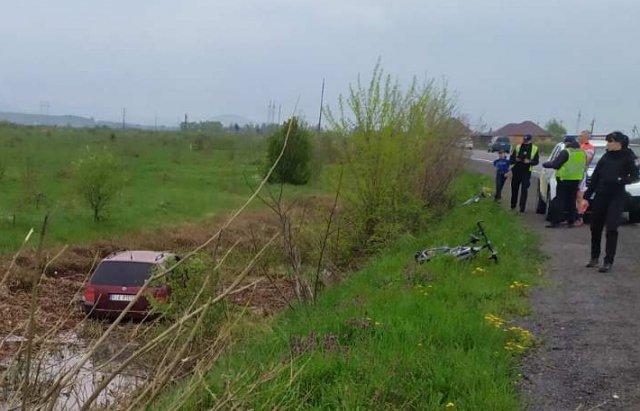 Злетів з дороги у канаву:  на Мукачівщині сталась ДТП (ФОТО), фото-2