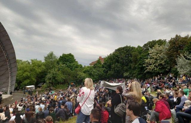 """В Ужгороді гурт """"БезОбмежень"""" зібрав аншлаг (ФОТО, ВІДЕО), фото-4"""