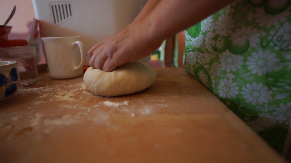 Грає на органі та пече хліб: історія закарпатки, яка живе з розсіяним склерозом (ВІДЕО), фото-3